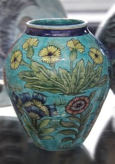 Vase - William De Morgan by Kotomicreations, via Flickr