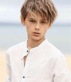 William Franklyn Miller: fotos del niño más guapo del mundo - William Franklyn-Miller con camisa