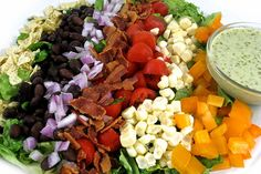Mexican Style Cobb Salad, So Deliciously Satisfying and Low in Calories (Skinny Kitchen) Skinny Recipes, Ww Recipes, Mexican Food Recipes, Great Recipes, Salad Recipes, Cooking Recipes, Light Recipes, Favorite Recipes, No Calorie Foods