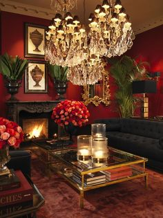 Living Room Red, Home And Living, Living Room Vintage, Hippie Living Room, Gothic Living Rooms, Victorian Living Room, Furniture Boutique, Red Rooms, Red Dining Rooms