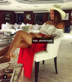 "25 mentions J'aime, 1 commentaires - 💃🏻❤️👑 (@nan_showroom) sur Instagram: ""Karox eq patvirel ays komplekt@ mez mot💋😍💋😍18.000 dram😍😍😍bluz ev yubka🍒🍒🍒spasel 7-14 or"""