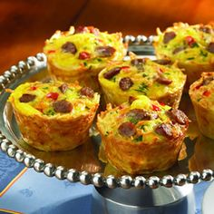 We love how easy it is to make Amazing Muffin Cups. Simple ingredients, simple steps, and a delicious breakfast or brunch for the whole family! Breakfast And Brunch, Breakfast Muffins, Sausage Breakfast, Breakfast Dishes, Breakfast Recipes, Sausage Muffins, Egg Muffins, Health Breakfast, Breakfast Cupcakes