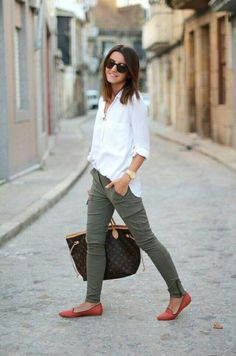 Мода fashion mode, mode décontractée и mode. Fashion Mode, Work Fashion, Womens Fashion, Jeans Fashion, Fashion Shoes, Style Fashion, Fashion Ideas, Skinny Fashion, Europe Fashion