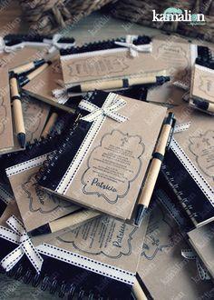 www.kamalion.com.mx - Recuerdos / Favors / Libretas / Notebook / Kraft / Ribbon / Black & White / Bautizo Giveaway / Detalles.