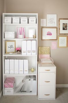 One chic office space... keeping everything one colour stops the shelves looking…