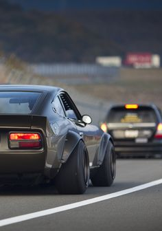 BETWEEN THE WHITE LINES Japanese Sports Cars, Japanese Cars, Tuner Cars, Jdm Cars, 240z Datsun, Nissan Z Cars, Automobile, Import Cars, Modified Cars