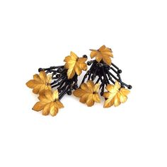 Vintage Golden Brown Maple Leaf Black Glass Bead Branches Large Clip On Earrings - Collectible Jewellery - Vintage Plastic Earrings 10