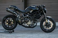 Habermann & Sons Classic Motorcycles and extra - Bike Ducati Cafe Racer, Ducati 796, Cafe Racer Bikes, Cafe Racer Motorcycle, Cafe Racers, Ducati Desmo, Ducati Monster 1100, Ducati Monster Custom, Moto Scrambler