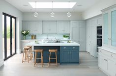 Modern meets Edwardian | Rencraft - Cabinets at different depths