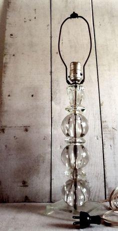 Exceptionnel Vintage Art Deco Cut Glass Table Lamp