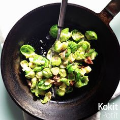 Kokit ja Potit: Pikaruoka I: ruusukaali-pekonipaistos Sprouts, Favorite Recipes, Vegetables, Food, Veggies, Essen, Vegetable Recipes, Brussels Sprouts, Yemek
