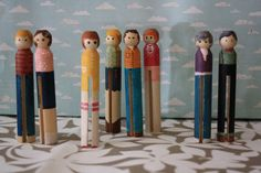 clothespin dolls... might be a cute cigar box idea for church.