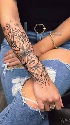 Hand Tattoos For Women, Sleeve Tattoos For Women, Tattoos For Guys, Arm Tattoos For Women Forearm, Female Forearm Tattoo, Mandala Tattoos For Women, Women Sleeve, Piercing Tattoo, Piercings