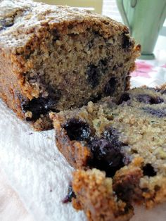 Blueberry Zucchini bread I was our of blueberries, so I subbed raspberries and chocolate chips. Blueberry Zucchini Bread, Zucchini Bread Recipes, Banana Bread Recipes, Zuchinni Desserts, Blueberry Recipes, Saskatoon Recipes, Delicious Desserts, Yummy Food, Yummy Recipes