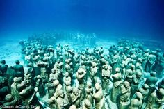 Grenada underwater memorial to the many slaves thrown overboard and who committed suicide rather than be enslaved.