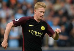 Kevin De Bruyne returned to Manchester City training on Thursday as he steps up his bid to be fit to face Barcelona in the Champions League. De Bruyne suffered a hamstring injury in the away win at Swansea City on September 24 and initial scans suggested he could miss around a month of action. via @Goal #footballplanetcom #mancity #debruyne