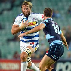 The Stormers' Andries Bekker charges the Waratahs' Rob Horne Rugby League, Rugby Players, Super Rugby, Six Nations, Rugby World Cup, Espn, Football, Baseball Cards, Game