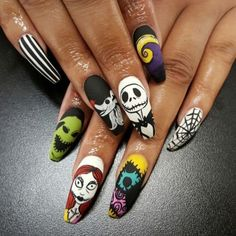 Halloween nail art Halloween Nightmare before christmas Nightmare before christm Halloween nail art Halloween Nightmare before christmas Nightmare before christmas nail art Source by aprillogea Disney Halloween Nails, Holloween Nails, Halloween Acrylic Nails, Best Acrylic Nails, Disney Nails, Halloween Nail Designs, Spooky Halloween, Costume Halloween, Halloween Recipe