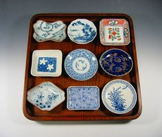 豆皿を楽しむ Japanese Table, Japanese Plates, Japanese Colors, Japanese Dishes, Japanese Ceramics, Japanese Pottery, Ceramic Tableware, Porcelain Ceramics, Ceramic Art