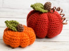 I love this small crochet pumpkin! So cute and adorable #crochetpumpkin #pumpkin #crochetfall