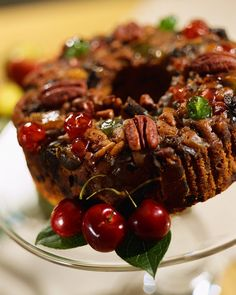 Mail-order fruitcakes in America began in 1913, but if you want the best, order…
