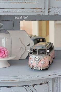 Deko-Objekte - VW Bus Deko Auto, Modellauto, Blechauto - ein Designerstück von bleuetrose bei DaWanda