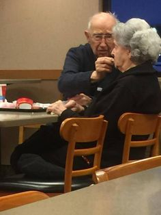 A touching photo of an elderly man (pictured) feeding his wife, who is suffering from Alzheimer's, at a Wendy's on their date night is proof that love is everlasting Old Couple In Love, Old Love, Couples In Love, Old People Love, Old Folks, Unconditional Love Meaning, Older Couples, Mature Couples, Growing Old Together