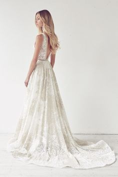 Looking for the best designer wedding dresses online? Suzanne Harward is Australia's leading designer in stunning lace & couture bridal dresses. Princess Wedding Dresses, Modest Wedding Dresses, Designer Wedding Dresses, Bridal Dresses, Outdoor Wedding Dress, Boho Wedding Dress, Wedding Gowns, Illuminati, Suzanne Harward