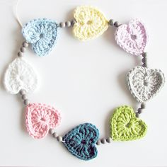 ༺༺༺♥Elles♥Heart♥Loves♥༺༺༺ ...........♥Crochet Bunting♥........... #Crochet #Bunting #Crochetbunting #Garland #Flag #Decorate #Tutorial #Pattern #Vintage #Handmade ♥Crochet Heart Necklace Or Bunting