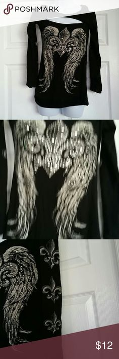 Size medium women's long sleeve shirt Bling bling size medium long sleeve shirt. Good condition. No holes or rips. Smoke free home bling bling Tops Tees - Long Sleeve