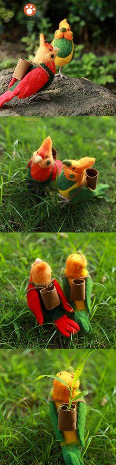 Handmade Needle felted felting project christmas ornament parrot bird felted…