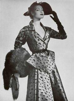 1951 Jeanne Lanvin, women were so timeless back then. I love the fashion.