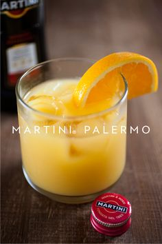 Try the MARTINI® Palermo, this easy cocktail recipe is just equal parts MARTINI® Rosso vermouth and freshly squeezed orange juice. Pour over ice in a rocks glass. Garnish with an orange slice.