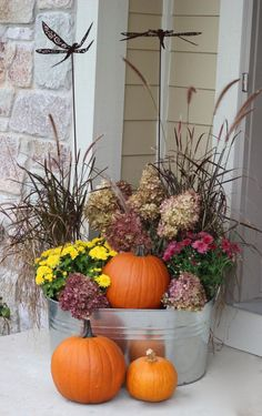 Fall Planter - reuse your grasses! - Momcrieff