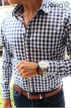 Camisa Slim Fit negra cuadro, pantalón gabardina negro y cinturón café - Tiendas Platino Ropa para caballero de moda hecha en México #Camisa #SlimFit #HechoenMéxico #Tiendasplatino #Men #Menfashion #Fashionstyle #Mexico #Moda #Fashion #Menstyle #Modahombres #pantalon