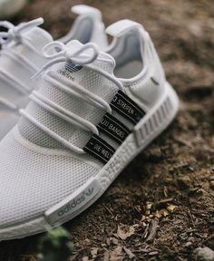 A(z) 23 legjobb kép a(z) Sneakers táblán ekkor  2019 2f6708f0d5