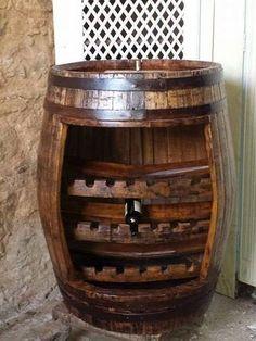 Cantina creata da una vecchia Botte wine-house