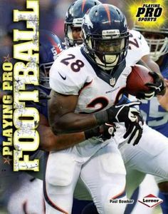 Playing Pro Football (Hardcover)