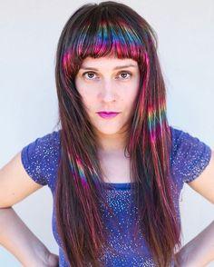 This Rainbow Highlight Hair Trend Is Totally Worth the Upkeep - hervorgehobenes Haar Rainbow Highlights, Hair Highlights, Curled Hairstyles, Trendy Hairstyles, Locks, Opal Hair, Latest Hair Trends, Hair Shows, Rainbow Hair