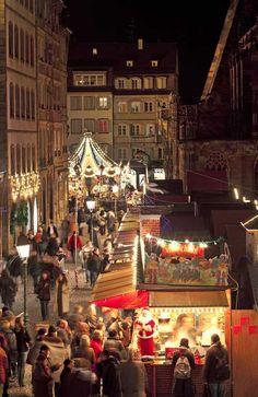 Marché de Noël - Place de la Cathédrale à #Strasbourg © Christophe Hamm Christmas In Germany, Christmas Markets Europe, French Christmas Traditions, France Winter, Rhine River Cruise, Ville France, Christmas Scenes, Destinations, Deck The Halls