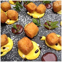 La nostra crema fritta con la sua salsa al Porto e lamponi disidratati #casinodicaccia #ricette #italianrecipes