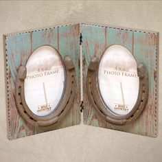 """(DM-B5210137) """"Hinged Horseshoes"""" Picture Frame (Holds 4 x 6 Photos)"""