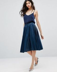 "Closet London Pleated midi skirt in washed PU - Model wears a UK 8/EU 36/US 4 and is 176 cm/5'9.5"" tall"