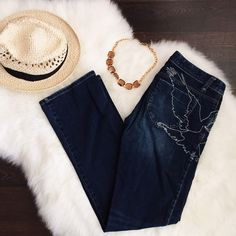 """‼️FLASHSALE‼️Armani Exchange Dark Wash  Jeans Stylish jeans that look great on any bootyThey are in perfect condition and used for a day out at the fair. You can tell that the material is really good because although they are lightweight, they aren't """"cheap"""" feeling! They will last a super long time for anyone lucky enough to have them! They don't fit anymore:) Size 2, short Armani Exchange Jeans"""