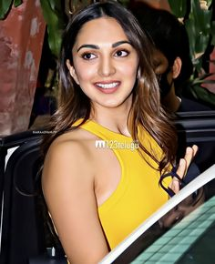 Parneeti Chopra, Kiara Advani, Bollywood Actress, Avengers, Celebs, Actresses, Hot, Celebrities, Female Actresses