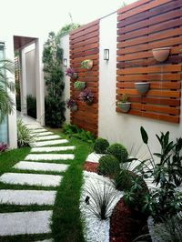 Small Backyard Ideas - Also if your backyard is small it likewise can be very comfy and also welcoming. Having a small backyard does not mean your backyard landscaping . Modern Backyard, Backyard Patio, Backyard Landscaping, Landscaping Ideas, Patio Ideas, Walkway Ideas, Backyard Designs, Small Gardens, Outdoor Gardens