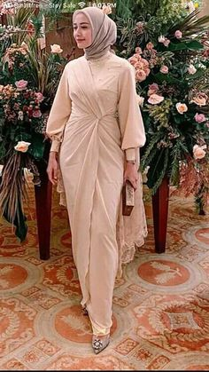 Muslim Fashion, Modest Fashion, Fashion Dresses, Hijab Dress Party, Hijab Outfit, Dress Sewing Patterns, Kebaya, Designer Dresses, Graduation