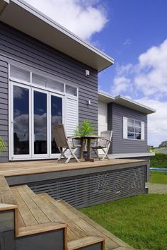 HardieSoffit™ Lining by James Hardie is a lining sheet with an unsanded finish suitable for semi or high gloss acrylics. House Cladding, Facade House, House Facades, New Shed Ideas, House Ideas, Exterior Colors, Exterior Paint, External Cladding, 2 Storey House