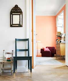 painted door edge. photo by magnus anesund