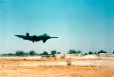 12 Sqn Canberra - 454 landing at Ondangwa English Electric Canberra, South African Air Force, Car Restoration, Air Force Bases, End Of Days, West Africa, Military Aircraft, Fighter Jets, Aviation